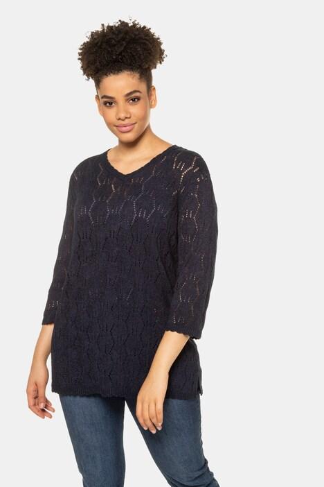 Artikel klicken und genauer betrachten! - Ajour-Pullover aus leicht transparentem Strick mit V-Ausschnitt und geraden 3/4-Ärmeln. | im Online Shop kaufen