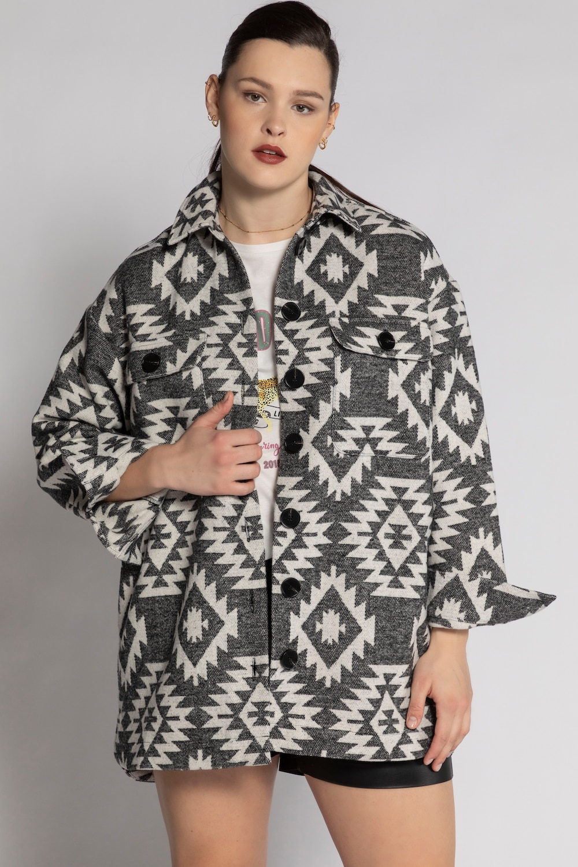 Overhemdjas, oversized, met etnodessin. overhemdkraag, 2 borstzakjes en afgeronde zoom, achter langer. lange ...